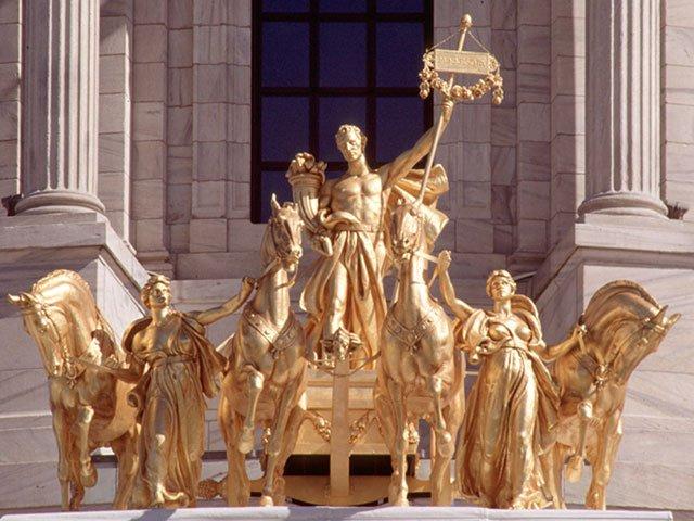 ورق طلا مجسمه